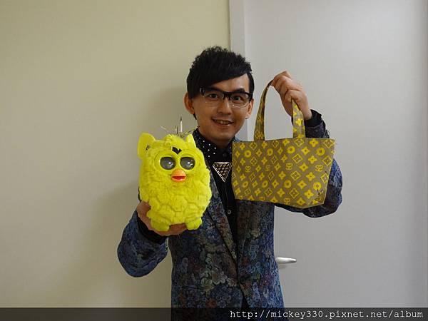 2012 12公益活動裝點菲比義賣展覽開始囉 (8)