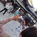 2014 4 14台北松山飛東京羽田再轉國內線到日本松山機場~抵達寶莊HOTELX草間彌生藝術企畫房並逛道莊溫泉街與買愛媛名產  (20)