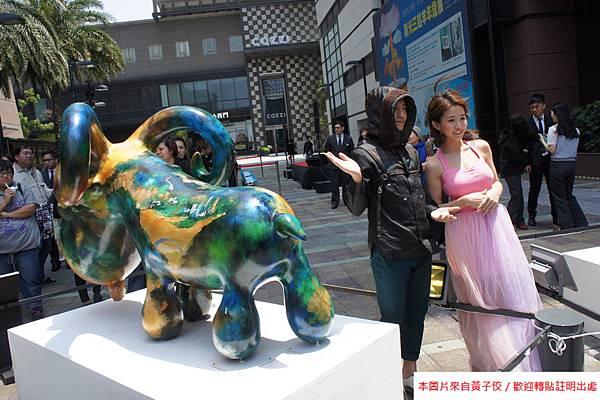2015 4 13 新光三越羊年燈展 台南.拾光 剪綵開展  (24)