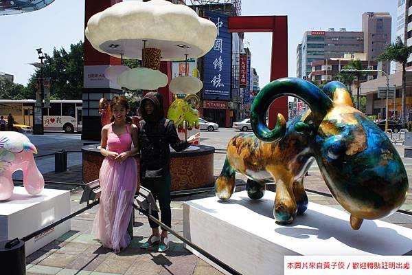 2015 4 13 新光三越羊年燈展 台南.拾光 剪綵開展  (23)