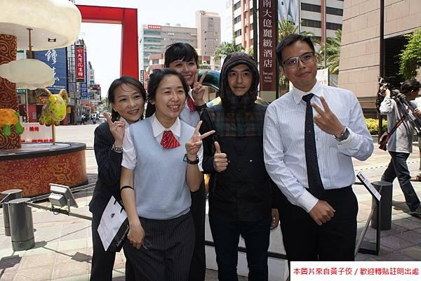 2015 4 13 新光三越羊年燈展 台南.拾光 剪綵開展  (18)