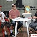 2015  9 30街角遊藝「圖」顯彩色正義-Candy Bird、黑雞 (1).JPG