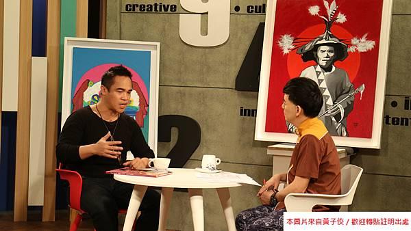 2015  11 23  繽紛油彩傳唱原民奔放靈魂-優席夫 (3)