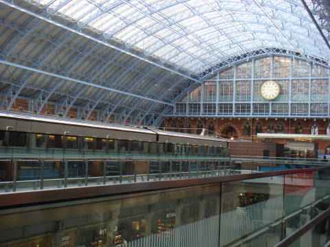 London St Pancras station 1.jpg