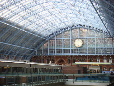 London St Pancras station 2.jpg