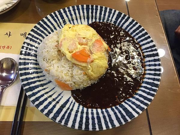 【美食】一人也能吃!韓國弘大傳統美食餐廳推薦,再也不用擔心一個人無法品嚐美食(韓式家庭料理、豆芽湯飯、炒飯、雜醬麵)