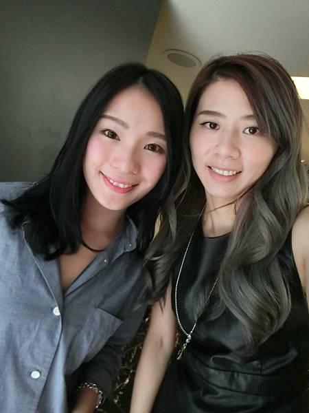 藍黑色髮色