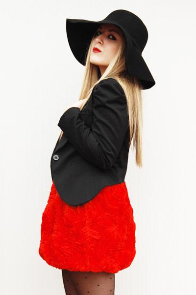 black-zara-hat-black-h-m-blazer-red-h-m-dress_400.jpg