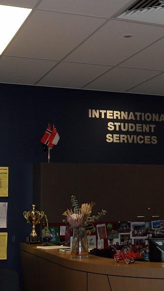 國際學生服務處!