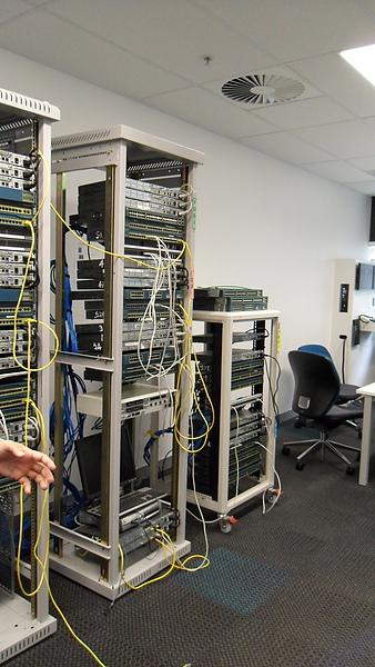 有最完善的電腦教學區!學生可以瞭解之後工作的環境
