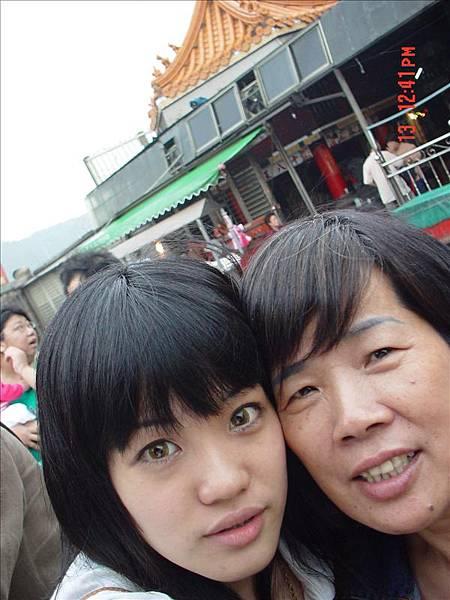 ♡我跟媽咪,硬要這樣拍,要拍到十八王宮的樣子♡