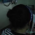 06.07.01妹妹來我家,我幫他把頭毛盤起來