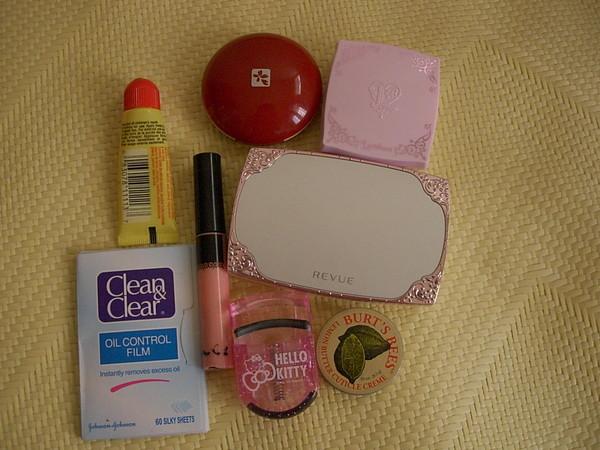 化妝包裡面的東西