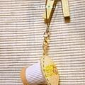 整個是顆奶油球 兼具小印章、吊飾功能
