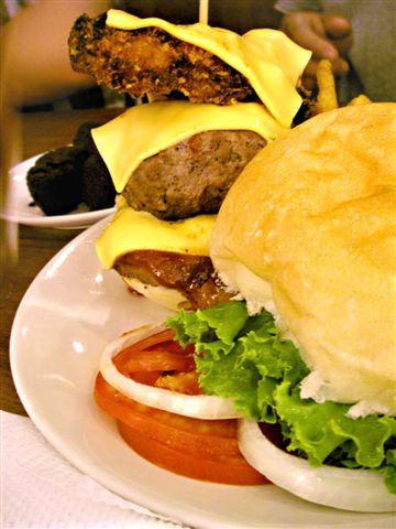 三層:魚、牛、雞。牛肉實在超級美味,其他可以直接忽略。