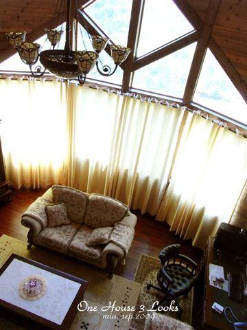 英國皇室風的桃花心木家具。二十萬耶!