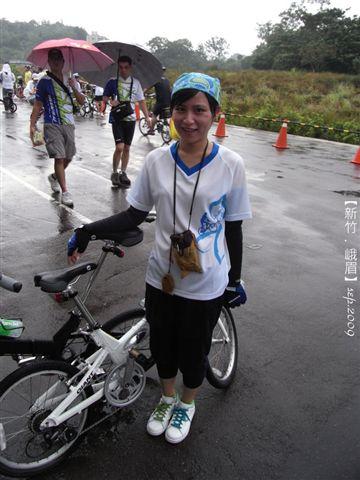 呼~完成!跟大家一起騎腳踏車很有動力耶!