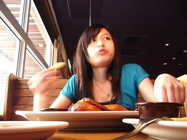 還好沒有嫌棄烤雞,差點沒點雞肉點兩客牛排