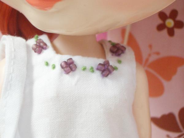 領口串珠刺繡