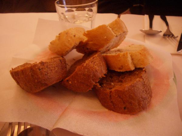 現烤麵包.JPG