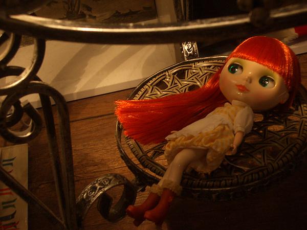 小桌底的茶茶3