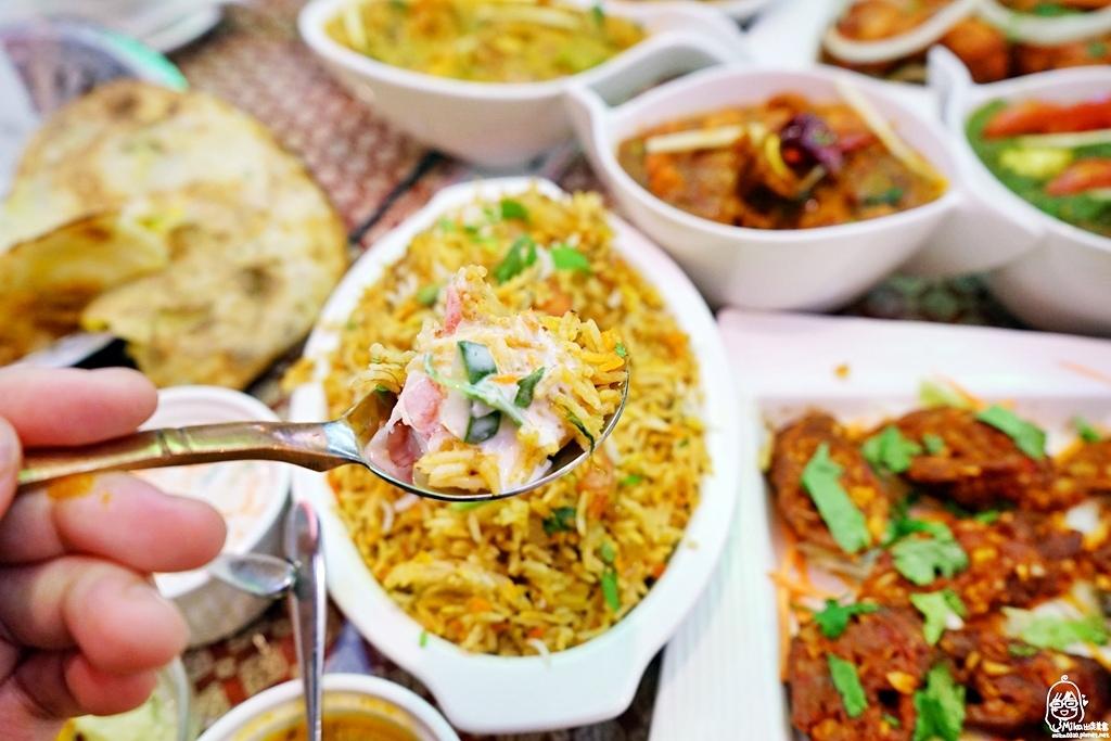 1489072049 1048898037 - 『熱血採訪』 Sree India Palace斯里馬哈印度餐廳-印度咖哩好厲害,顏色繽紛多彩又好吃!公益路旁巷弄間隱藏版的印度料理,正港印度人開的店,異國風味顛覆你的味覺習慣。