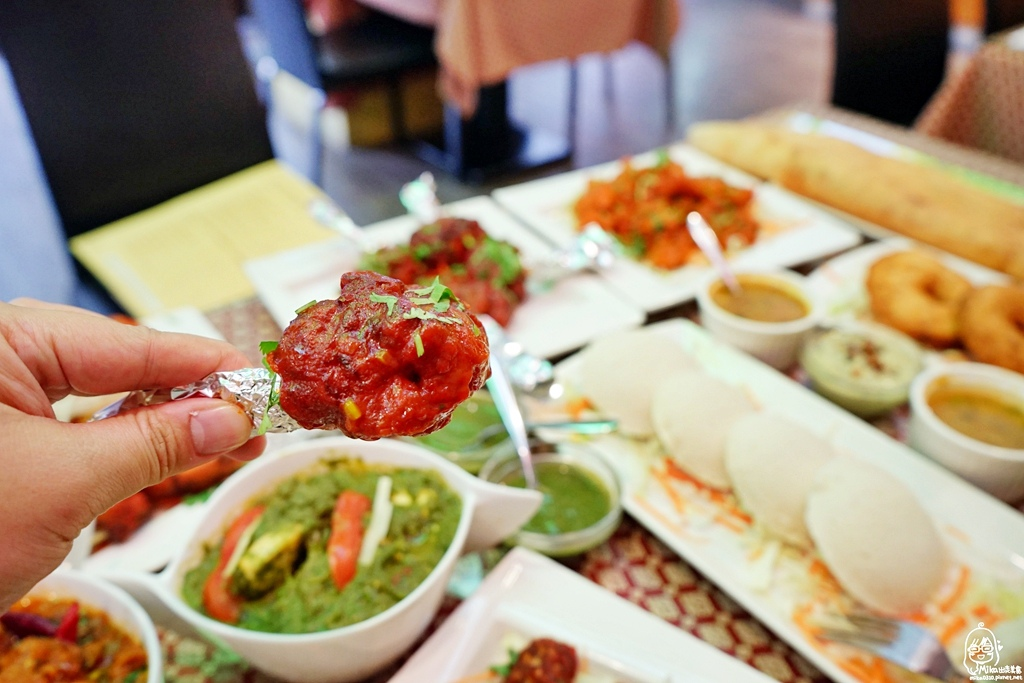 1489072049 1151460604 - 『熱血採訪』 Sree India Palace斯里馬哈印度餐廳-印度咖哩好厲害,顏色繽紛多彩又好吃!公益路旁巷弄間隱藏版的印度料理,正港印度人開的店,異國風味顛覆你的味覺習慣。