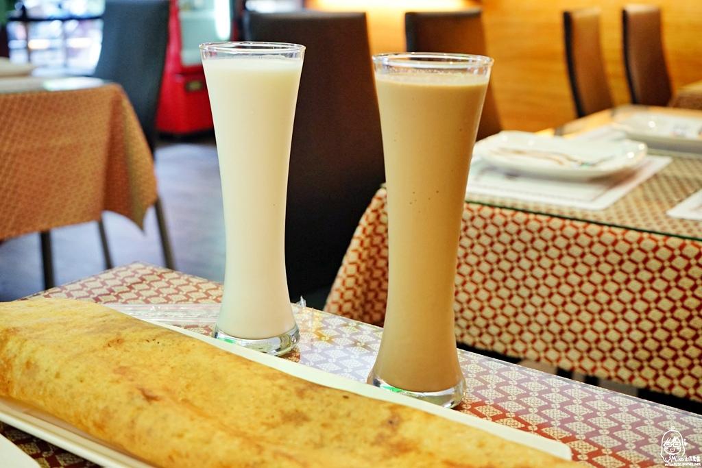 1489072049 1174660380 - 『熱血採訪』 Sree India Palace斯里馬哈印度餐廳-印度咖哩好厲害,顏色繽紛多彩又好吃!公益路旁巷弄間隱藏版的印度料理,正港印度人開的店,異國風味顛覆你的味覺習慣。