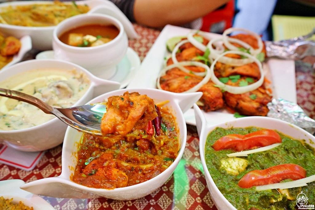 1489072049 1398181546 - 『熱血採訪』 Sree India Palace斯里馬哈印度餐廳-印度咖哩好厲害,顏色繽紛多彩又好吃!公益路旁巷弄間隱藏版的印度料理,正港印度人開的店,異國風味顛覆你的味覺習慣。