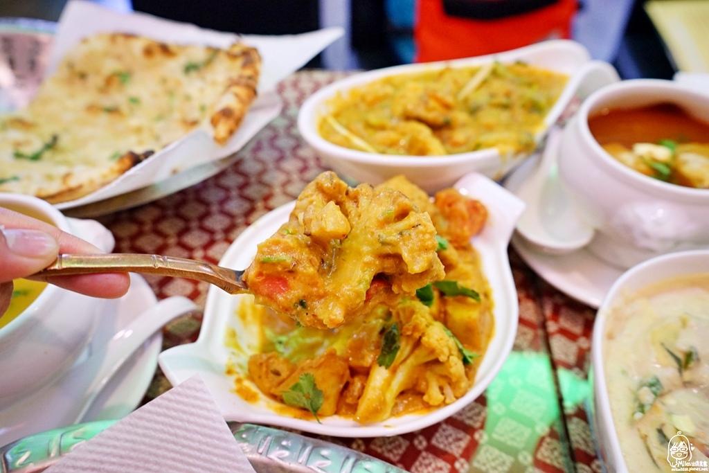 1489072049 2199836292 - 『熱血採訪』 Sree India Palace斯里馬哈印度餐廳-印度咖哩好厲害,顏色繽紛多彩又好吃!公益路旁巷弄間隱藏版的印度料理,正港印度人開的店,異國風味顛覆你的味覺習慣。