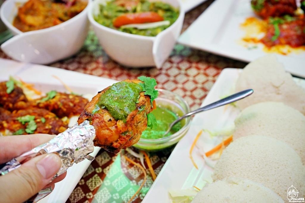 1489072049 3801194074 - 『熱血採訪』 Sree India Palace斯里馬哈印度餐廳-印度咖哩好厲害,顏色繽紛多彩又好吃!公益路旁巷弄間隱藏版的印度料理,正港印度人開的店,異國風味顛覆你的味覺習慣。