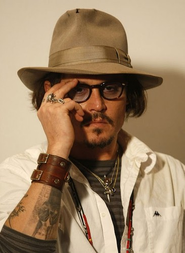 actor,glasses,hat,johnny,depp,press,conference,tattoo-fdb60f05bf3da966fe47ed80cfc1447e_h.jpg