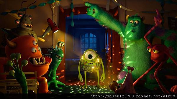 Monsters-University-Mike-Disco-Ball-1024x575