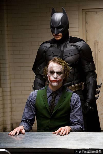 The-Dark-Knight-batman-1025647_1280_1920