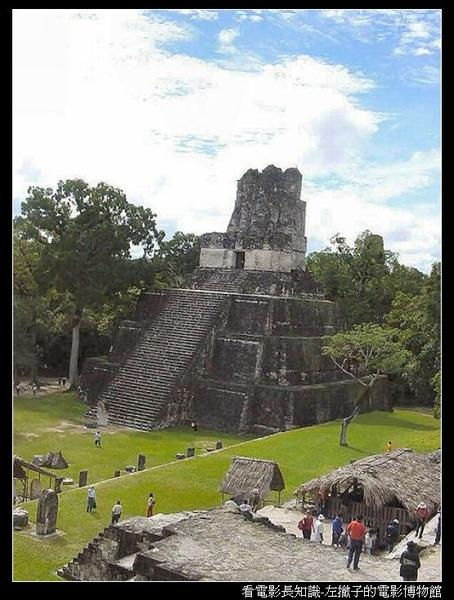 nEO_IMG_450px-Tikal.jpg
