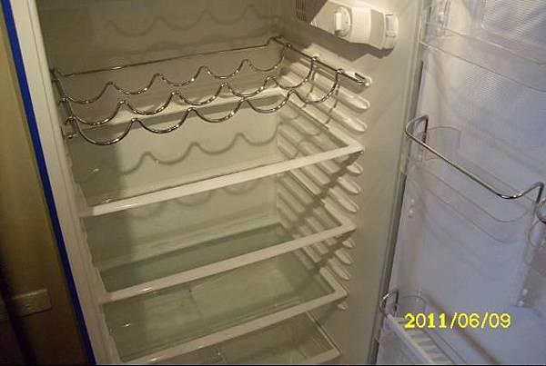 06豪山冰箱打開內層.JPG