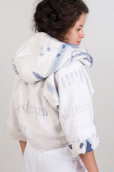 content-and-container-jacket-01.jpg