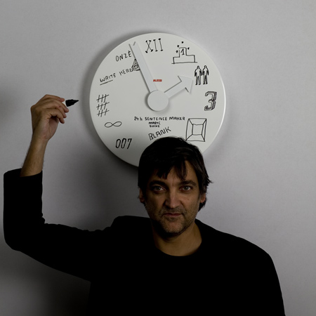 dzn_Blank-Wall-Clock-by-Marti-Guixe-for-Alessi-3.jpg