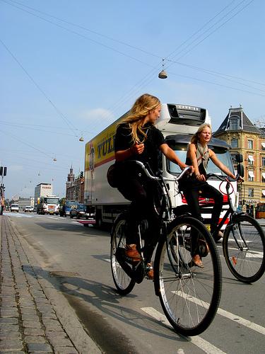 http://www.copenhagencyclechic.com/