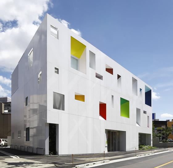 emmanuelle moureaux architecture + design