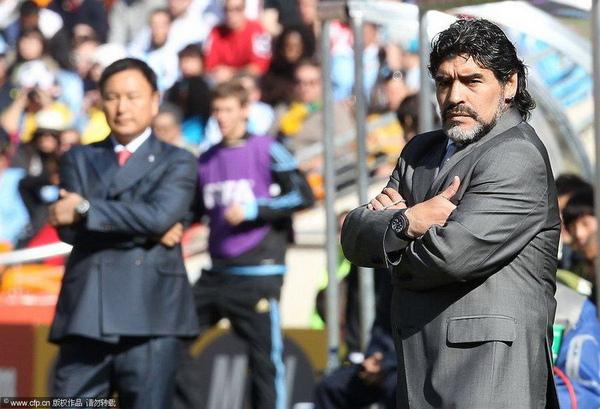 WC2010-阿韓-0617-Maradona教頭有氣勢.jpg