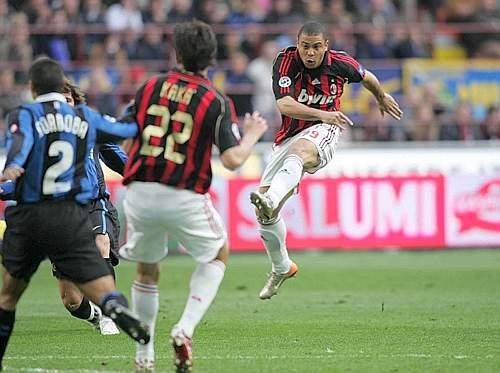 很戲劇的德比-Ronaldo-Kaka