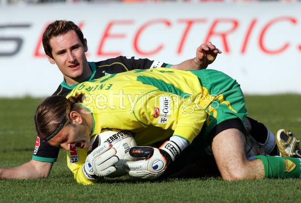 Klose what are you doing