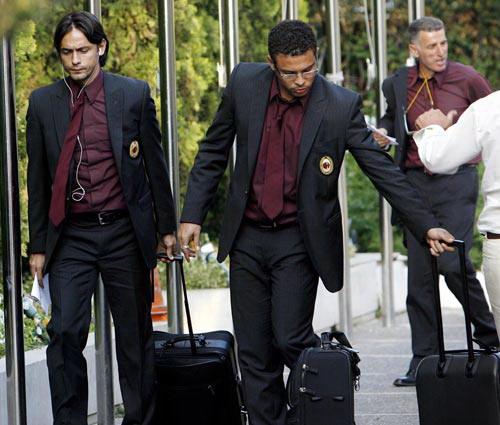 抵達雅典 Pippo Ronaldo