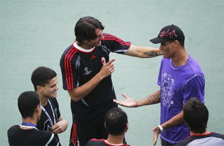 備戰歐冠 意外碰上老朋友 Maldini Rivaldo