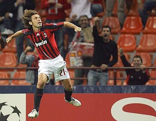 Milan-20070918CL-PirloGoal.jpg