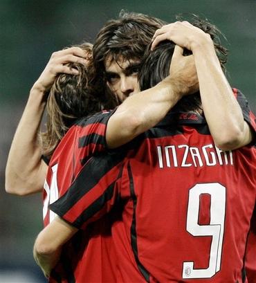 Milan-20070918CL-kaka-pirlo-pippo-hug.jpg