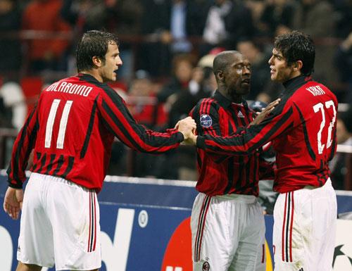 Milan-20071024CL-Gila-Seedorf-Kaka同慶