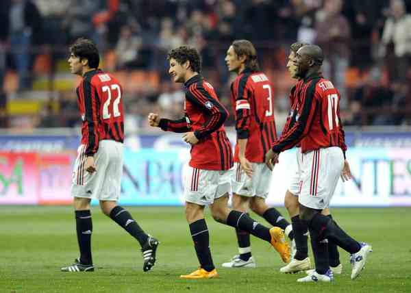Milan-20080127-maldini-歡慶patogoal.jpg
