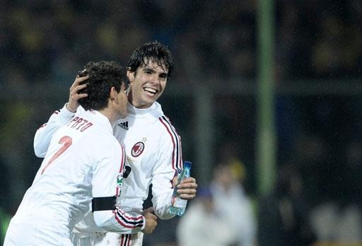 Milan-20080203-Pato-kaka-hug